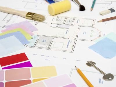 Malerwerkzeuge und Gestaltungsplan