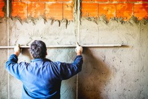 Verputzen einer Wand