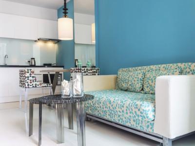Modern gestrichenes Wohnzimmer