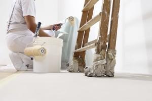 Wände streichen und verputzen